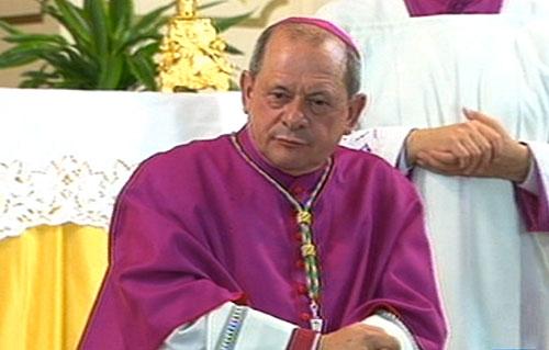 Povertà, il vescovo di Locri