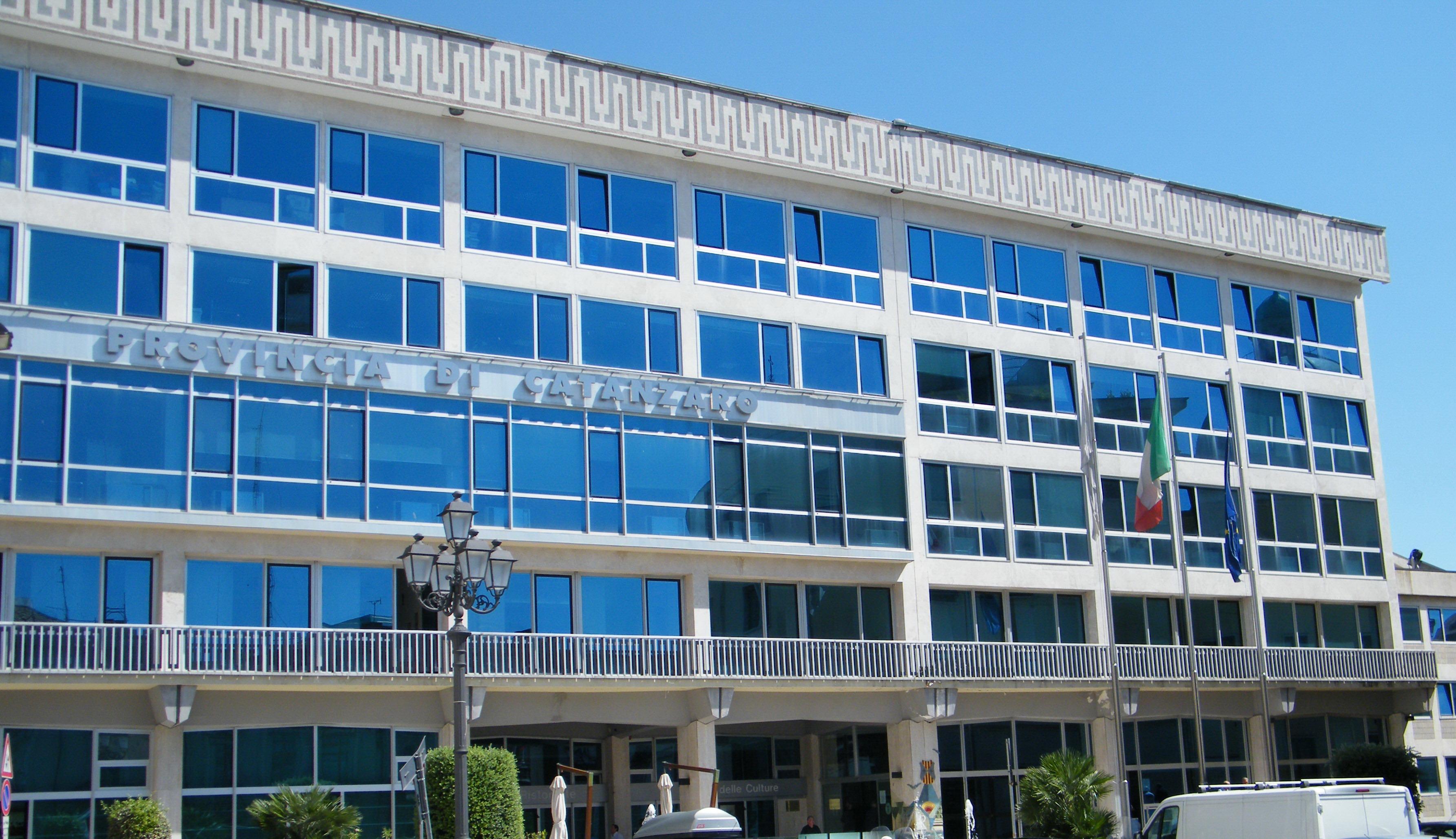 Scuola, Provincia Catanzaro: da ministero 2 milioni per edilizia