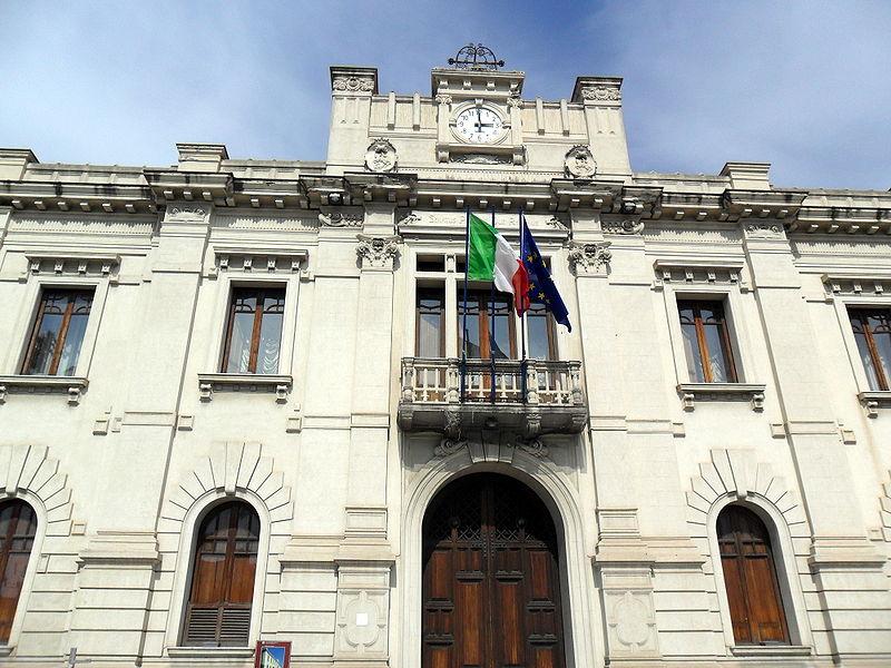Comune Reggio Calabria, bonifica di piazza Modenelle ad Arghillà