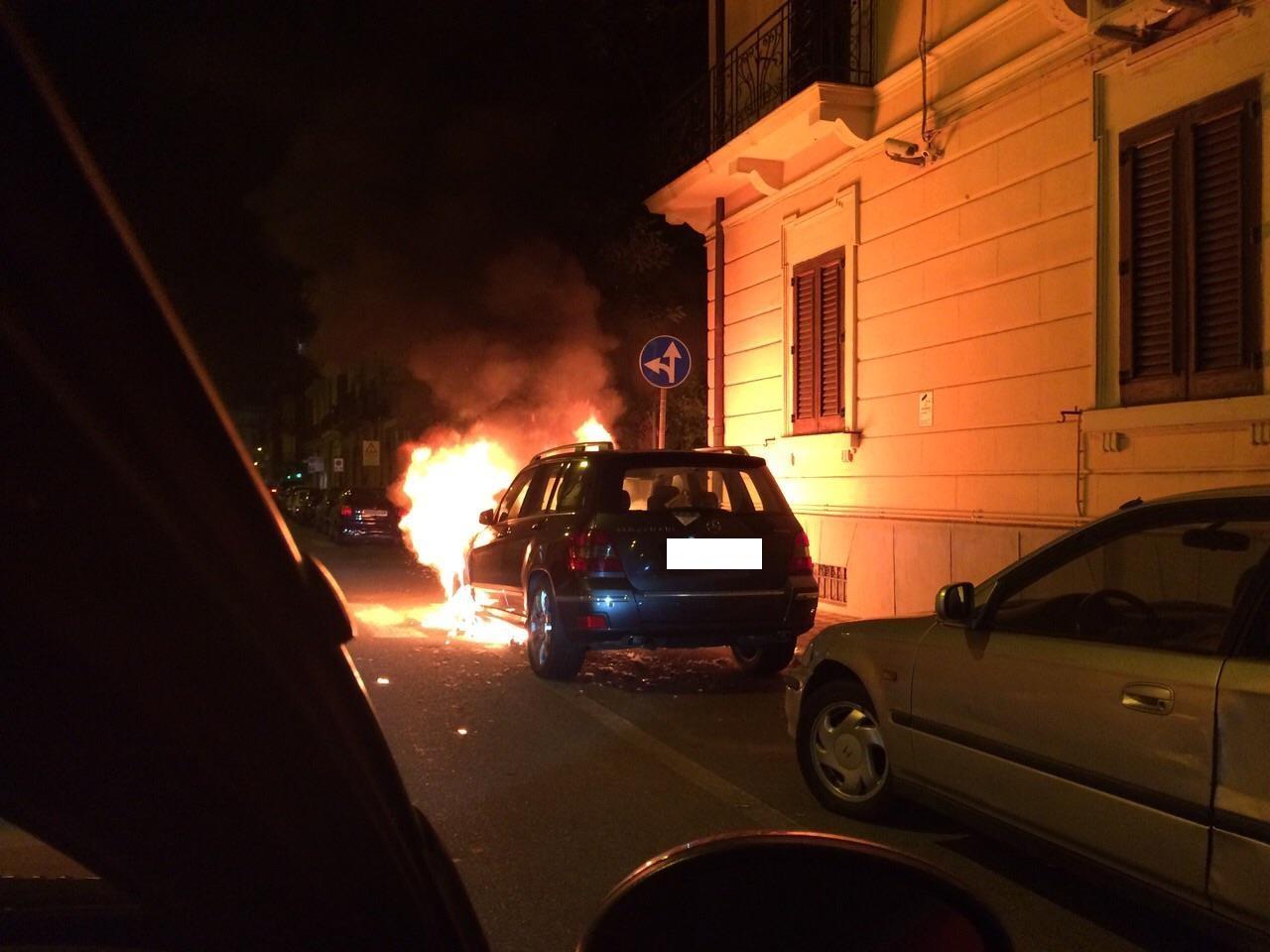 macchina_in_fiamme_4_Rc