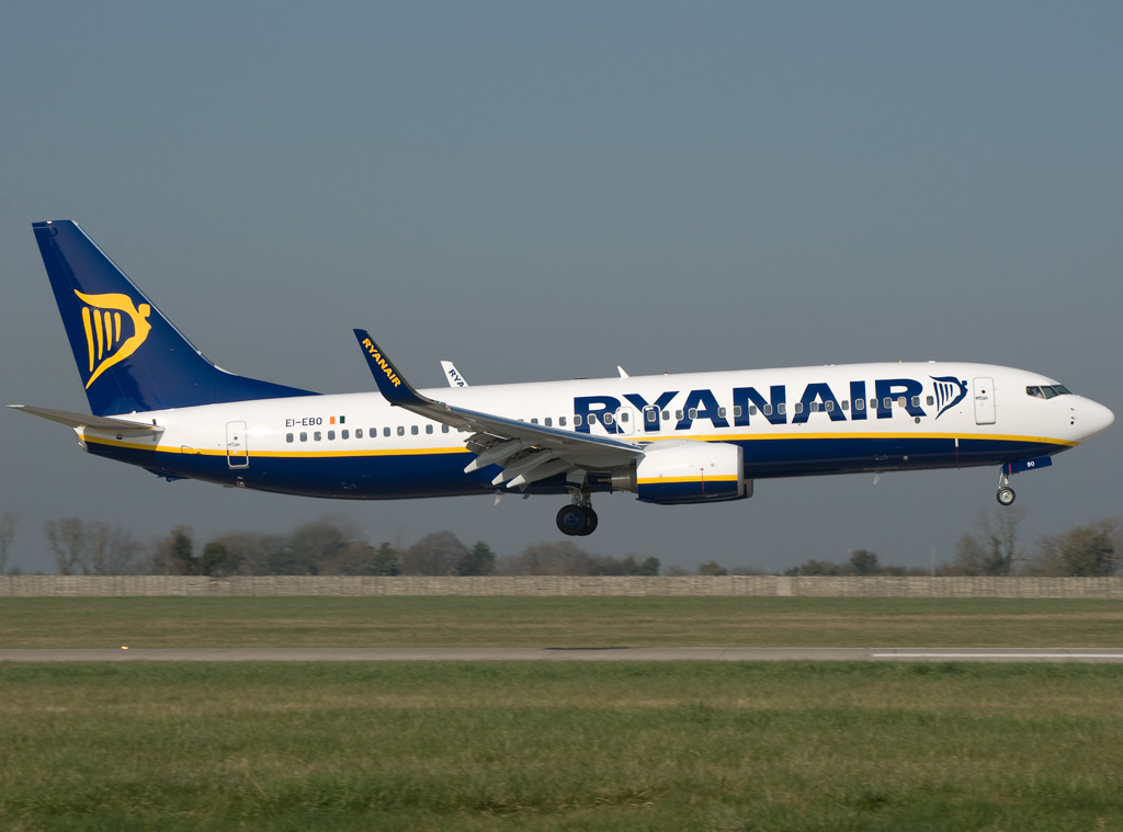 Volo Ryanair parte da Lamezia con 6 ore di ritardo