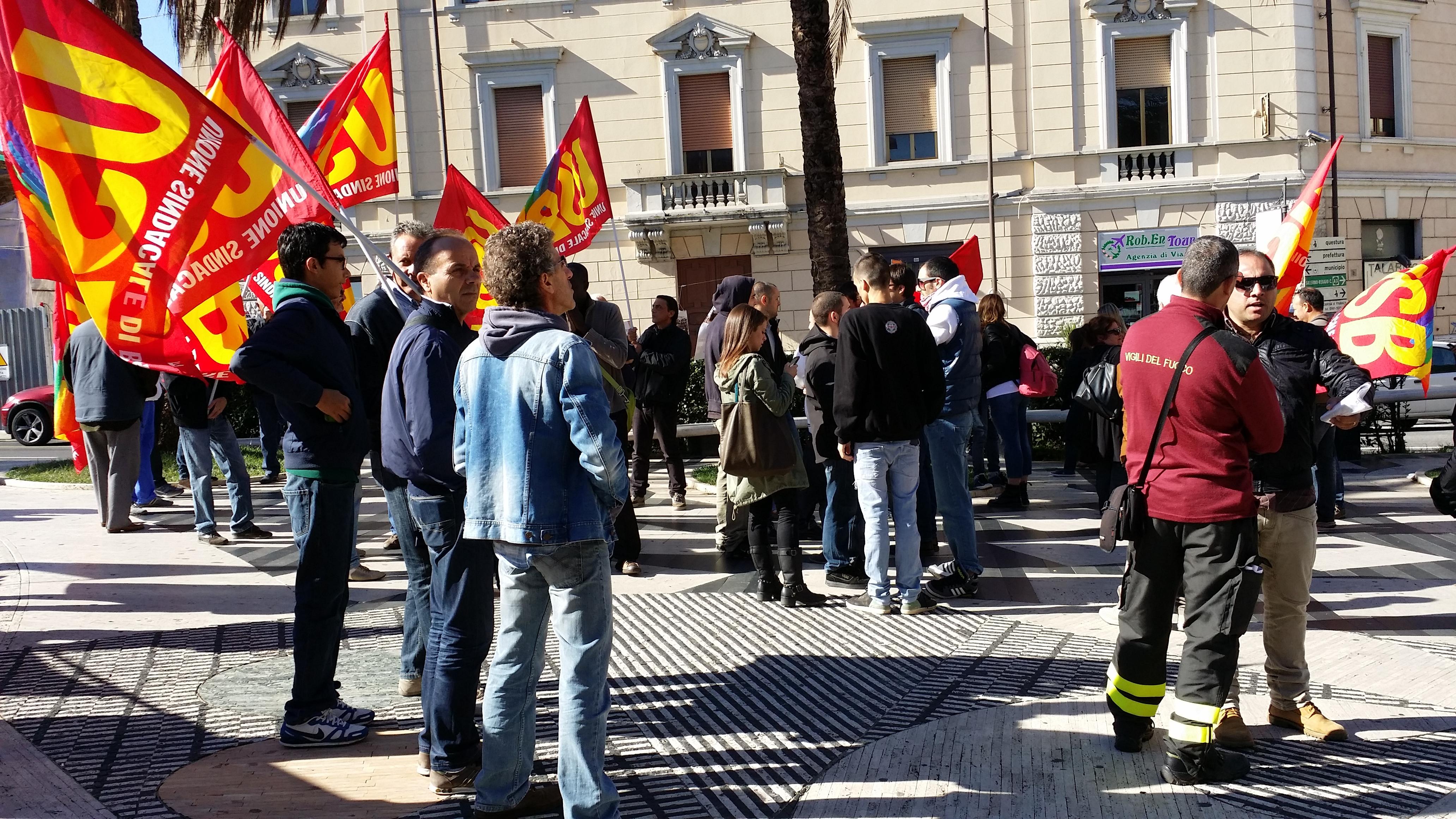 Protesta Usb contro governo Renzi a Catanzaro