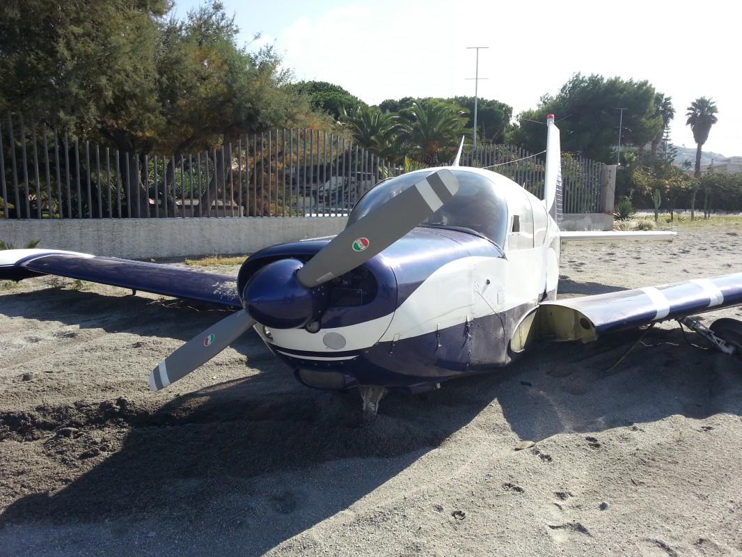 aereo in avaria 2