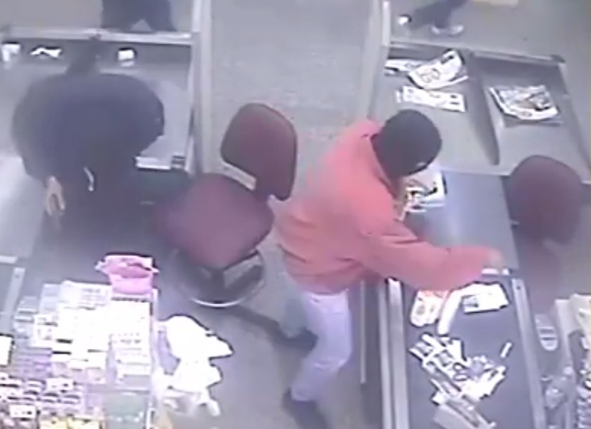 rapina distributore Ip Polistena