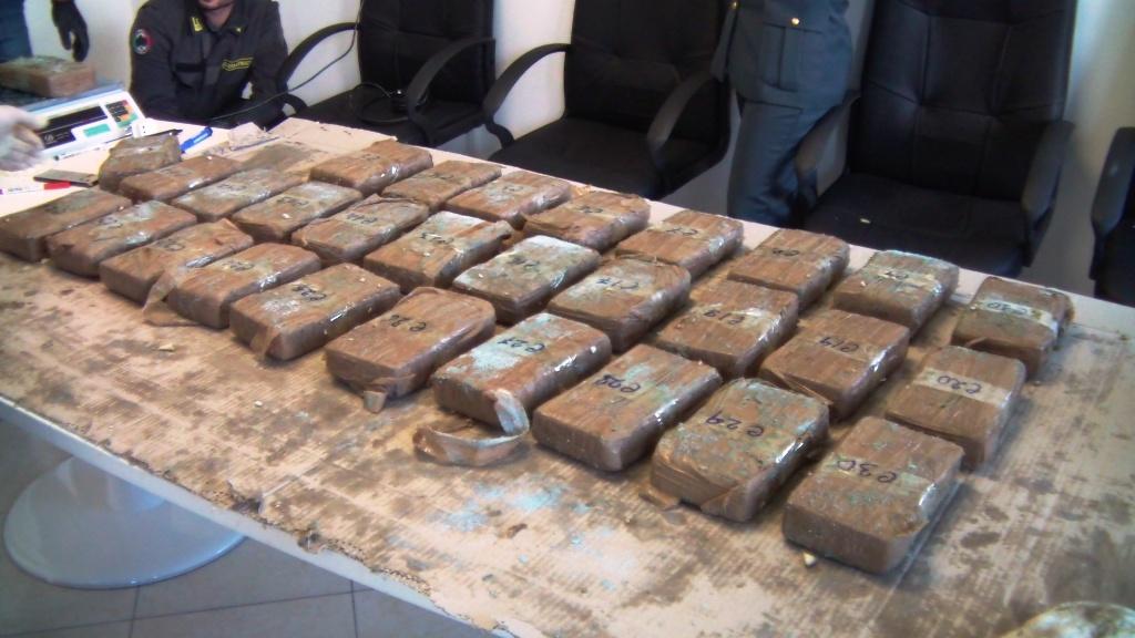 Droga sequestrata a Brindisi