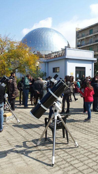 Eclissi: folla di appassionati al Planetario di Reggio