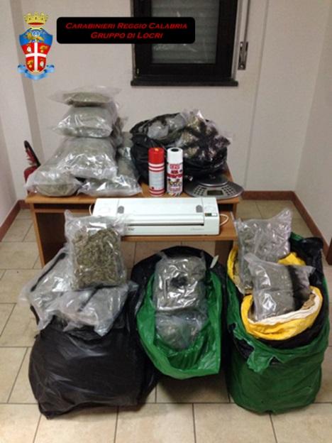 Arrestato 23enne accusato di produzione, traffico e detenzione di droga a San Luca