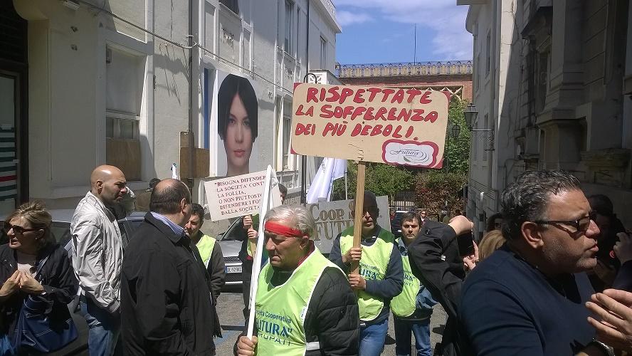 Protesta Reggio Calabria Terzo settore 3