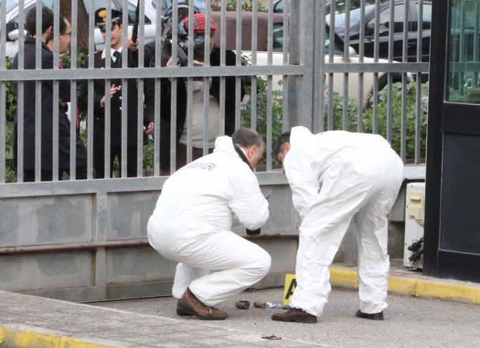 Crotone involucri sospetti davanti Md