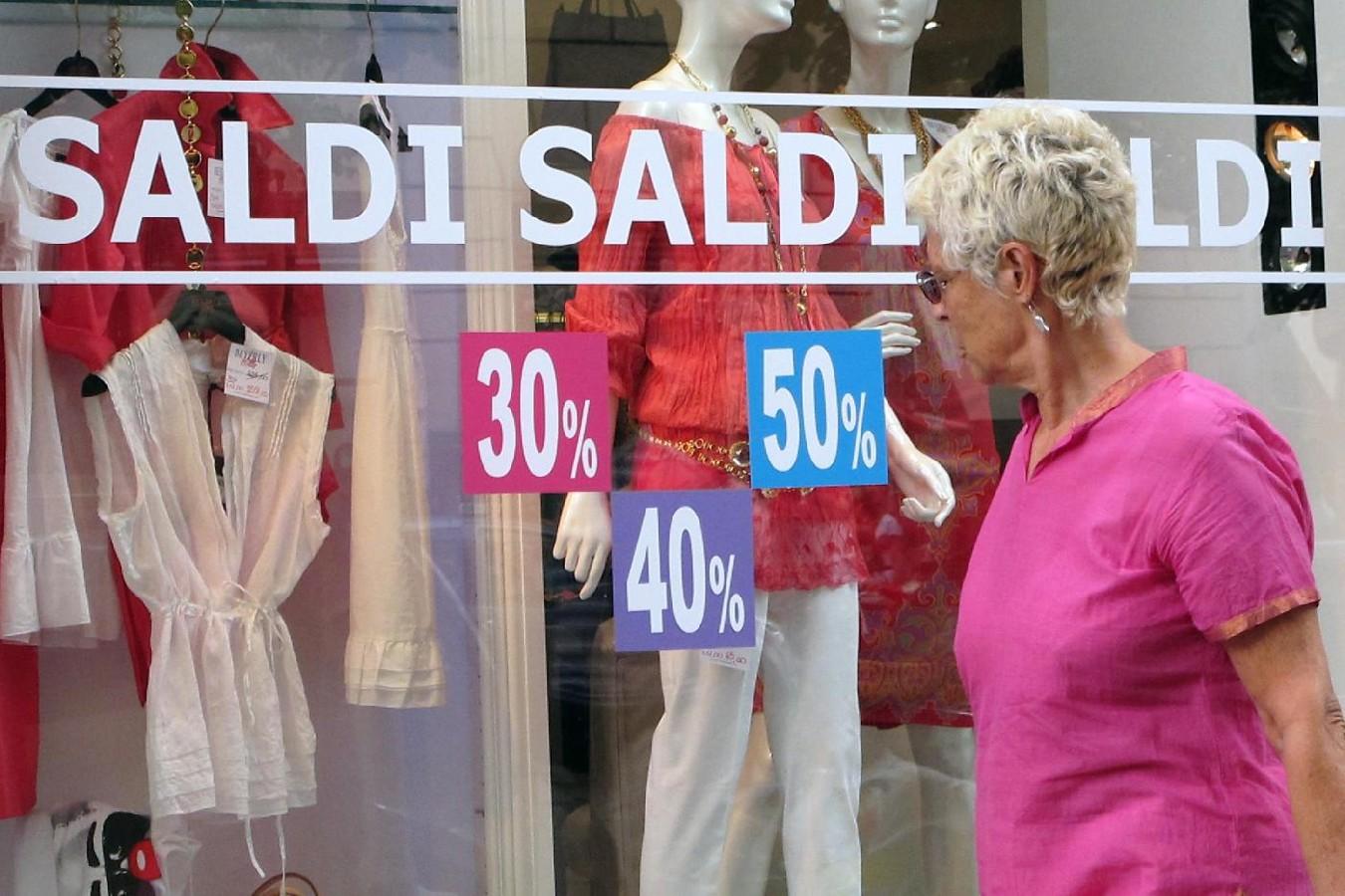 Partono i saldi in Calabria, ma le famiglie sempre povere restano