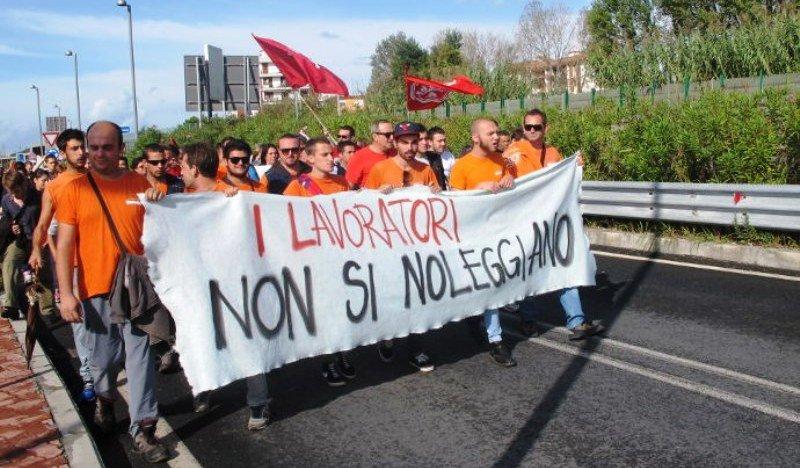 Telint Sud lavoratori in protesta
