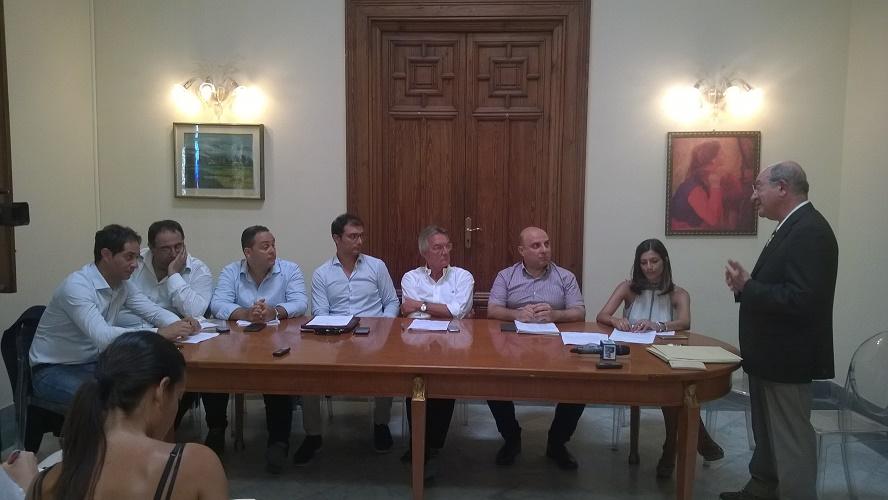 Conferenza stampa centrodestra reggino su Miramare
