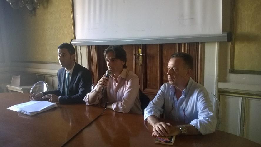 Conferenza stampa riduzione tasse Reggio Calabria