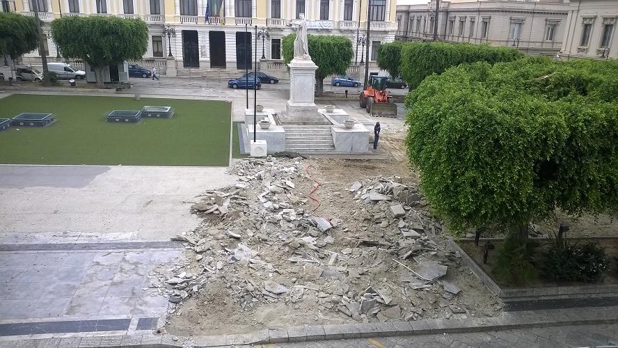 Reggio - Lavori Corso Mazzini piazza Italia