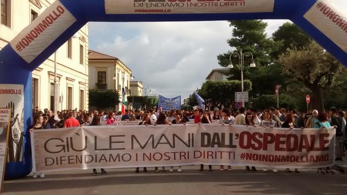 Manifestazione Locri in difesa dell'ospedale