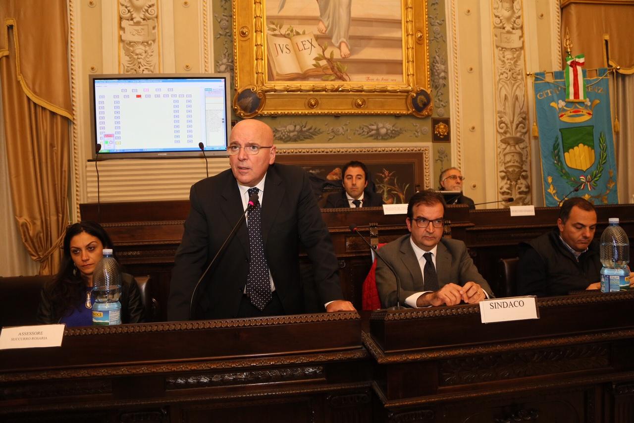 Oliverio consiglio comunale Cosenza