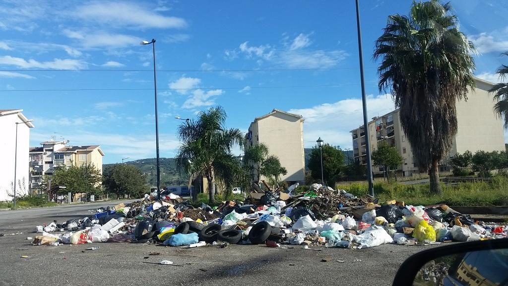 Reggio Calabria arghillà nord e rifiuti