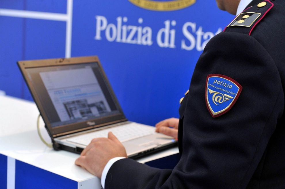 Riciclaggio e phishing, arrestati due calabresi