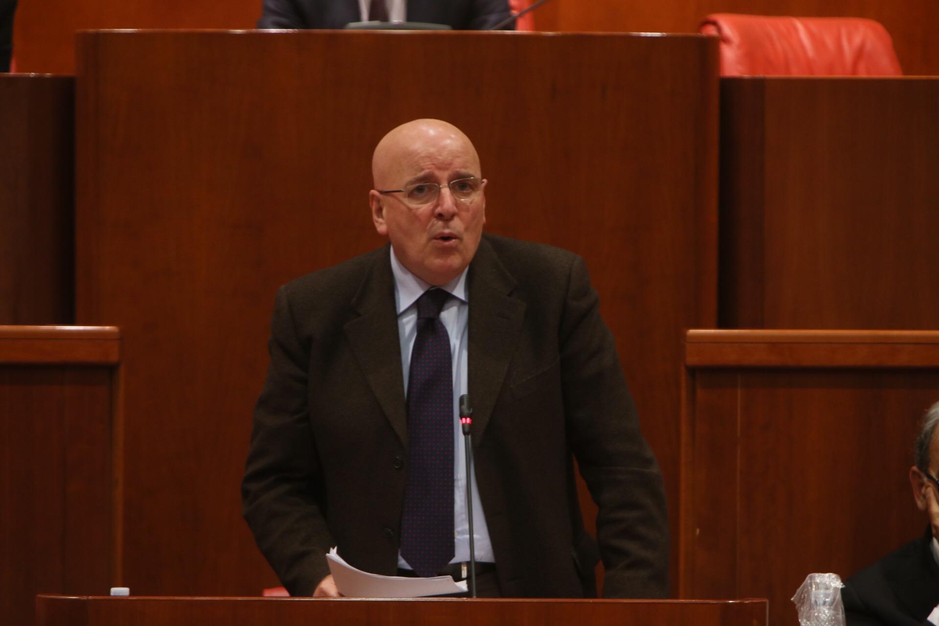 Commissario Sanità, Oliverio minaccia di incatenarsi davanti Palazzo Chigi