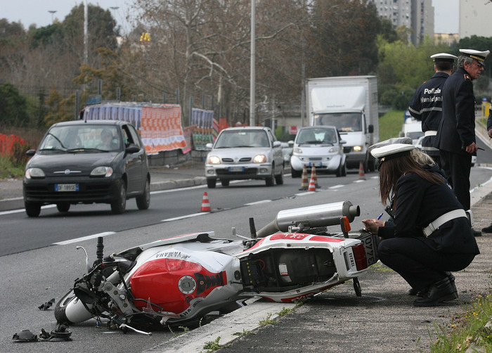 incidente stradale moto