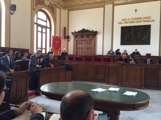 a6747ff97ff6ce C'è una questione aperta che riguarda la degna sepoltura del Colonnello  Cosimo Fazio, l'ufficiale dell'Arma e comandante dei vigili urbani di Reggio  ...