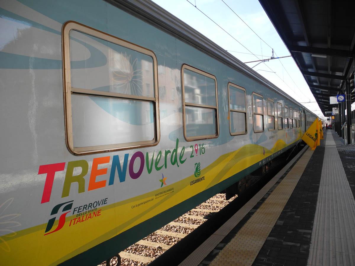 Il Treno Verde Chiude Il Suo Tour A Cosenza Tappa Alla Stazione Di