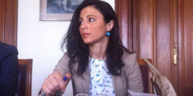 Angela Marcianò consegna a Renzi documento programmatico