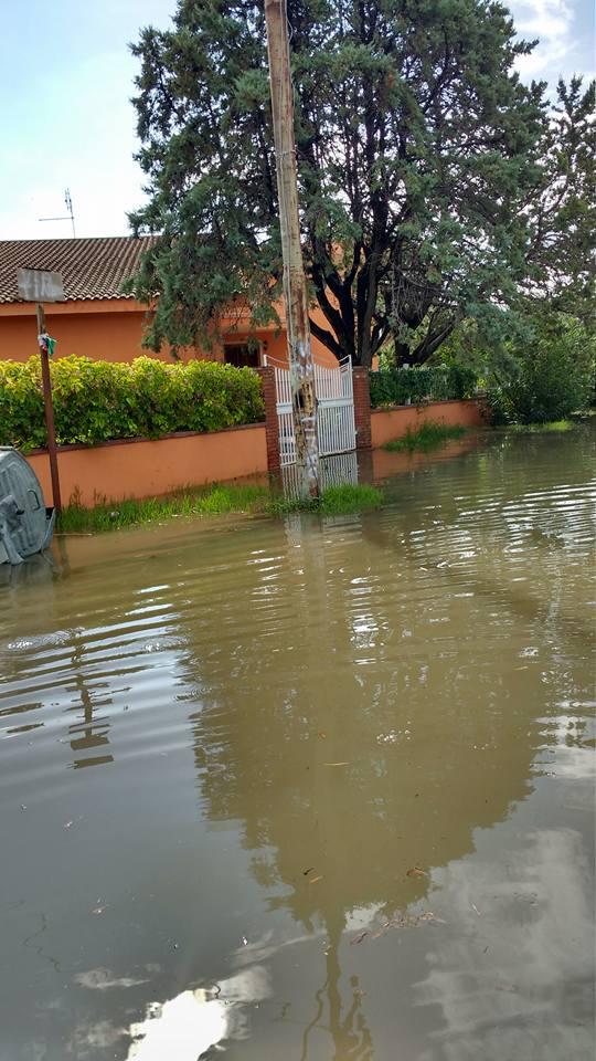 Marina di Sibari: 30 minuti di pioggia e si allaga tutto