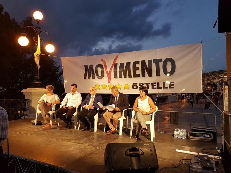 Movimento 5 Stelle a Reggio su referendum