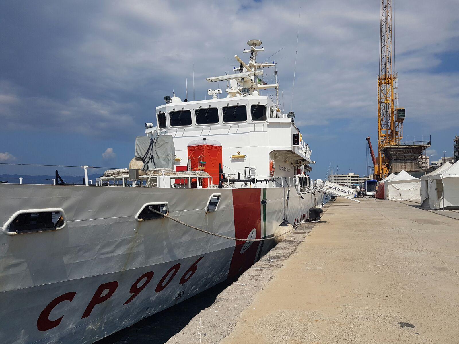 Reggio Calabria, nave con 764 migranti e 8 cadaveri