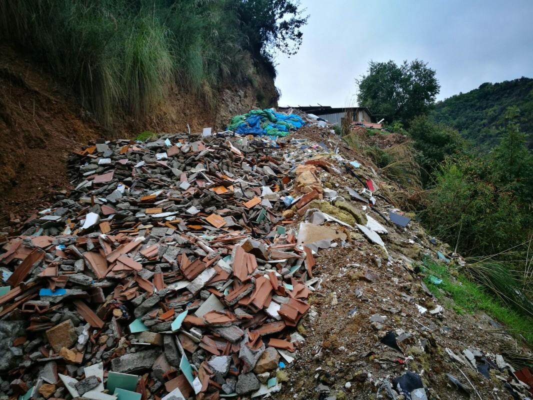 Cosenza - Gestione illecita di rifiuti: sequestrata discarica abusiva