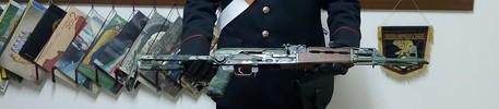 Un arresto dei carabinieri ad Isola Capo Rizzuto per possesso abusivo di armi