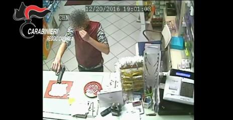 San Luca (RC) - Rapina farmacia: fermato minore sospettato del reato
