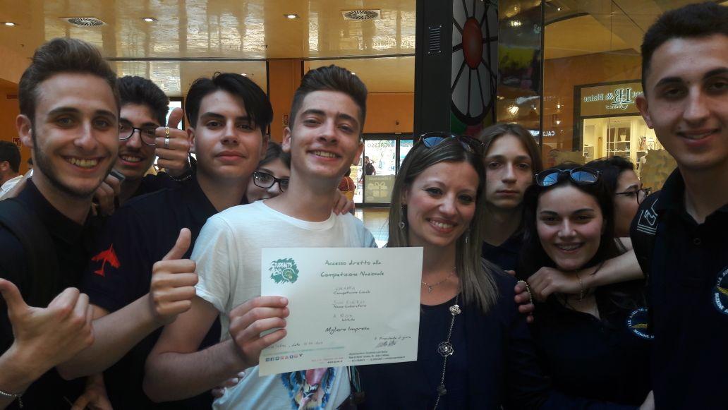 L'Iis Righi di Reggio vince la selezione regionale sull'impresa formativa simulata 2