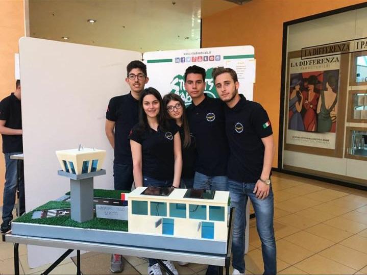 L'Iis Righi di Reggio vince la selezione regionale sull'impresa formativa simulata 3