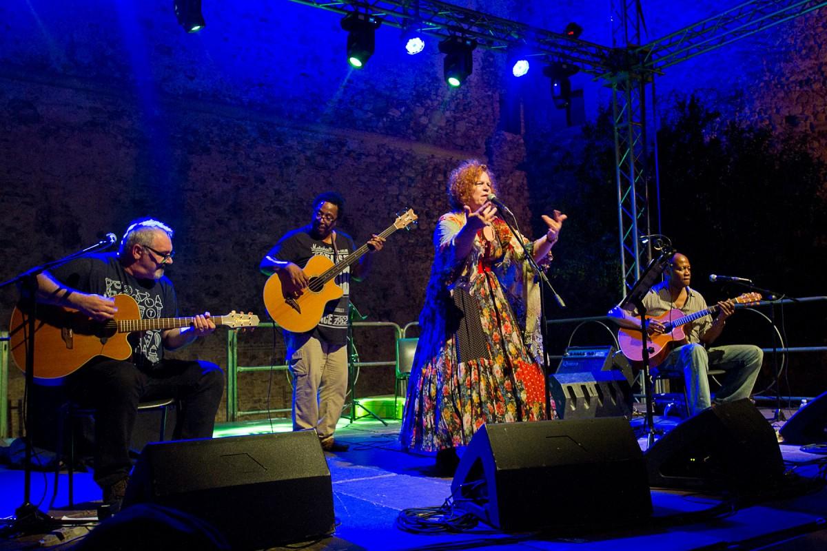 live Sara Jane Morris (2)