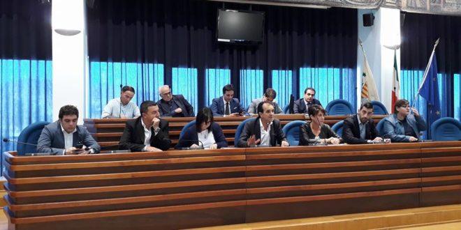 Dimensionamento scolastico a Catanzaro, riunione in Provincia