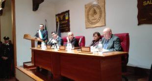 Migranti, Minniti: superare grandi centri accoglienza