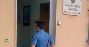 Violenta la moglie davanti ai figli minori, arrestato 26enne