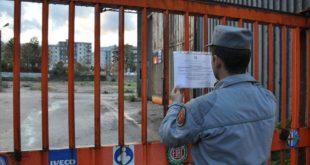 Bruciano rifiuti illegalmente, sequestrata area edificabile a Cosenza