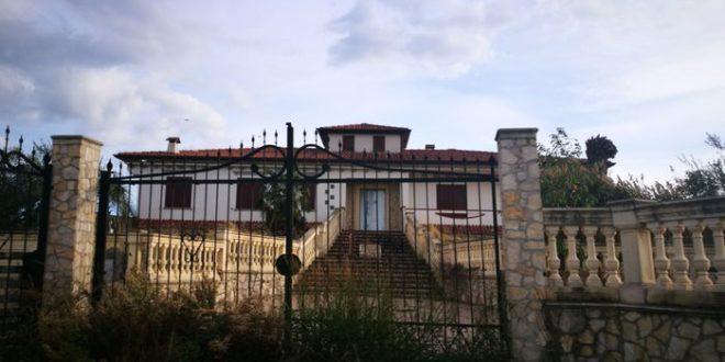 consegnata al Comune di Cassano la villa del boss