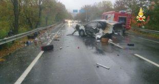 Incidenti stradali, scontro furgone camion, un ferito grave