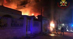 Incendiato negozio presidente Camera commercio: reazioni