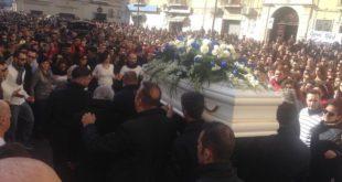 Crotone, 18enne ucciso, l' ultimo saluto a Giuseppe Parretta