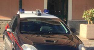 Si sdraia su binari per suicidarsi, salvato dai carabinieri