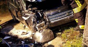 Incidente stradale, Suv finisce fuori strada