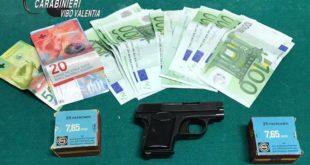 In vacanza con pistola e munizioni, arrestato calabrese residente in Svizzera