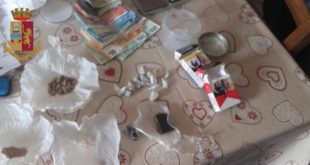Nascondeva droga in casa, arrestato 53enne a Crotone