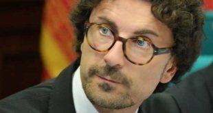 Toninelli in Calabria, e forse non basterebbero tutti i soldi del Ministero