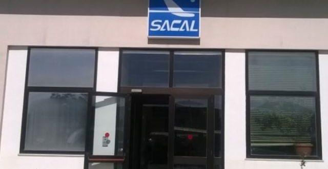 Consulenze fantasma e spese pazze sul conto della Sacal, 15 rinviati a giudizio